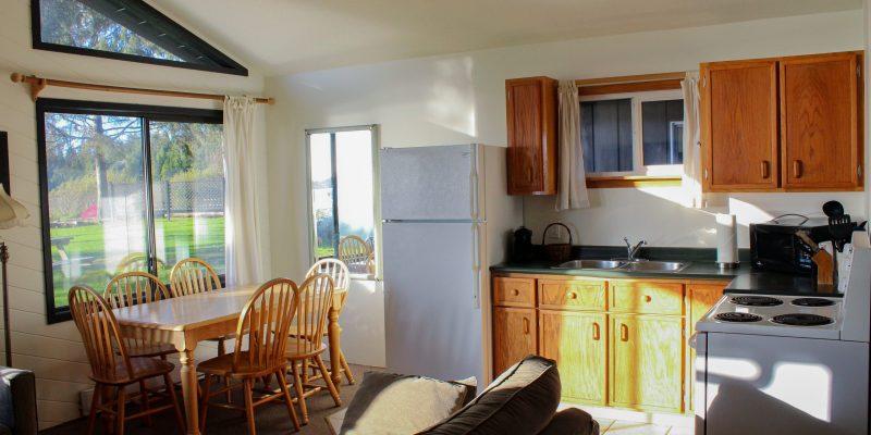 Cabin 3 - Kitchen
